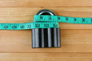 Why You Shouldn't Lose Weight by Following Extreme Weight Loss Methods